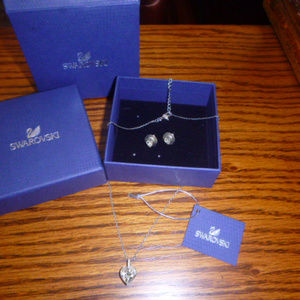SWAROVSKI crystal heart necklace and earrings set